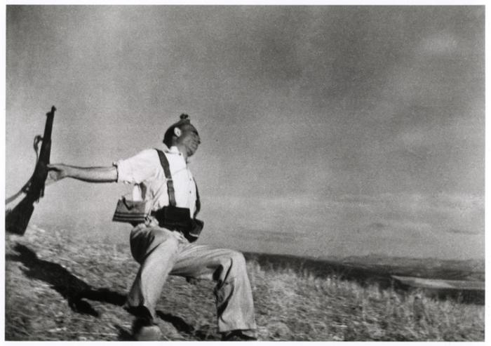 Robert Capa's Death of a Spanish Militiaman 1936